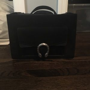 100% Authentic suede gucci bag..send offers..